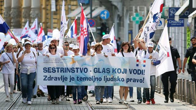Skandal u zdravstvu: Sestre  ostaju bez dozvola za rad?