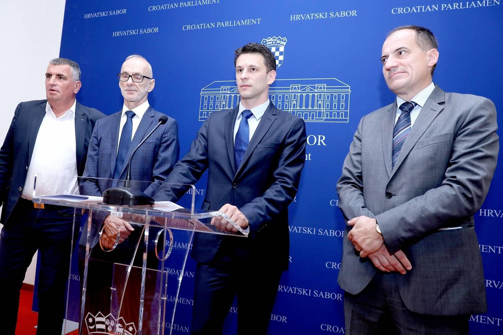 Zagreb: Konferencija za medije Kluba zastupnika Mosta NL o vodi kao ljudsko pravo