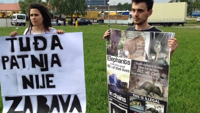 Cirkus u gradu: Prosvjedovali su zbog ugroženih prava deva