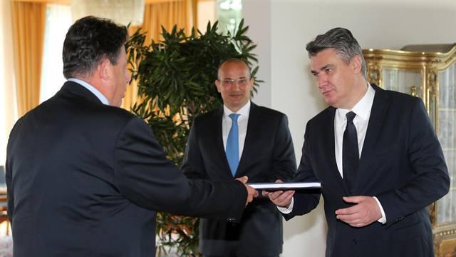 Milanoviću predali rezultate izbora, sad Plenkoviću može dati mandat da sastavi Vladu