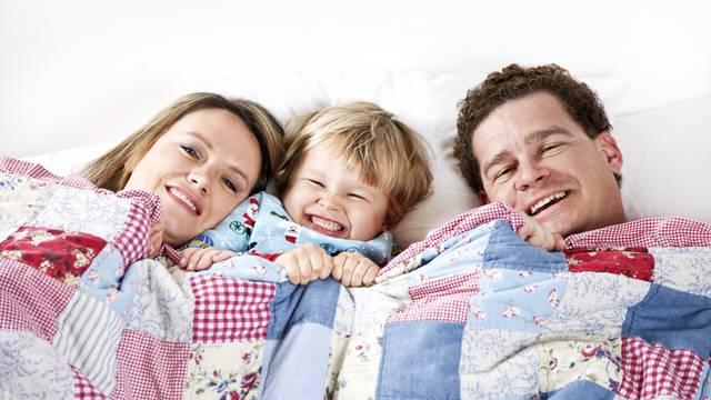 Ništa bez dekice: Četiri razloga zašto je teško zaspati bez nje