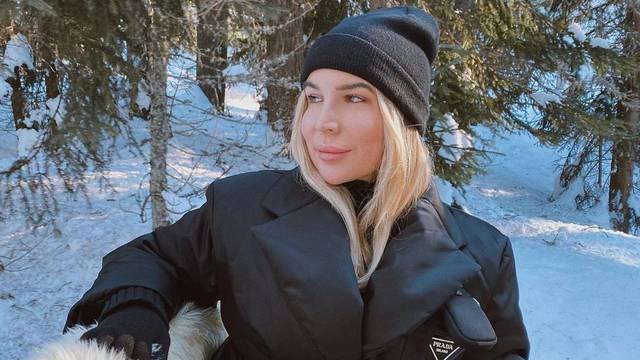 Leyla Hajrović pozirala u jakni od 14.200 kn: 'Ili Prada ili ništa'