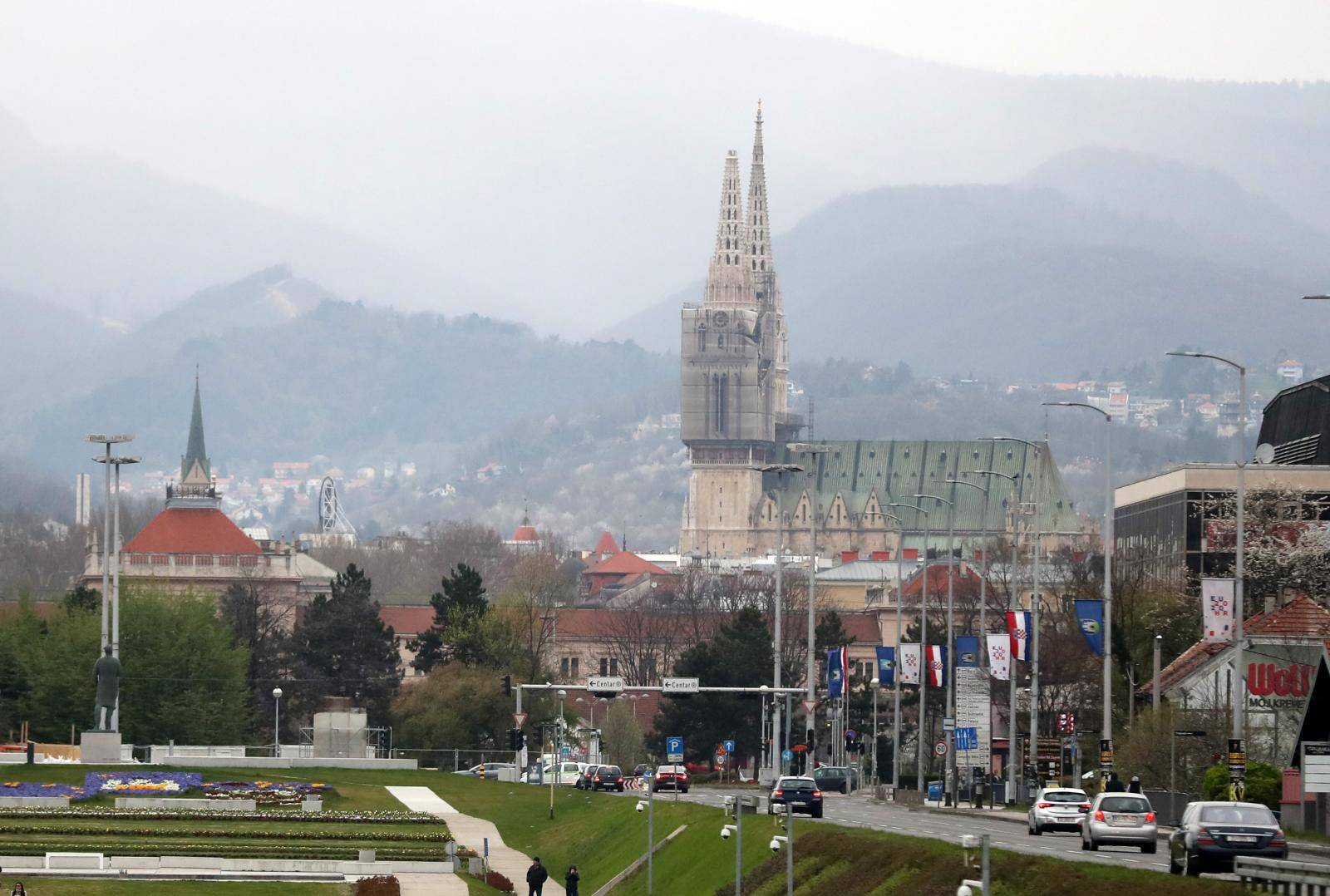 Zagreb: Potes magnitude 5,3 stupnjeva oštetio je Zagrebačku kadedralu