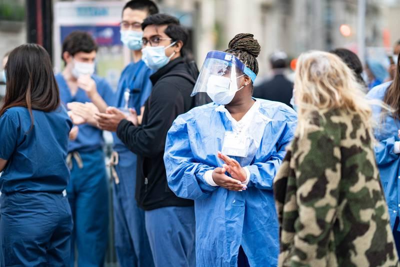 Francuska će svim medicinskim radnicima povećati primanja