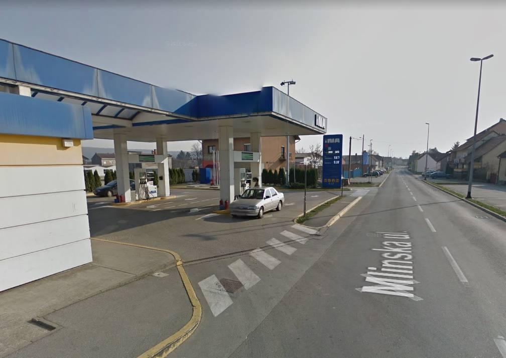 Bus udario u reklamni pano u Pleternici, nema ozlijeđenih