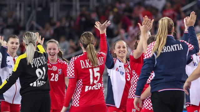 Hrvatske i njemačke reprezentativke odigrale prijateljsku utakmicu u Areni Zagreb