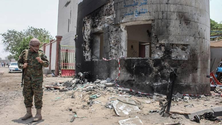 U napadu Huta najmanje 70 mrtvih provladinih vojnika