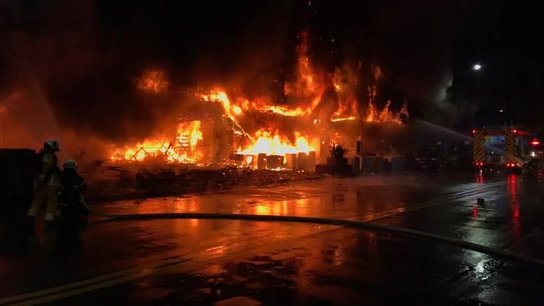 Buktinja na Tajvanu: Satima se borili s požarom zgrade od 13 katova, umrlo više od 40 ljudi