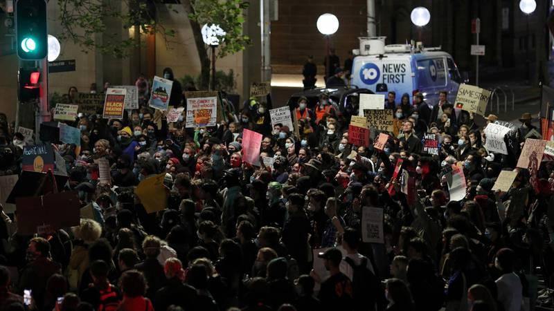 Prosvjedi u Sydneyu zbog smrti Floyda, policajac pod istragom