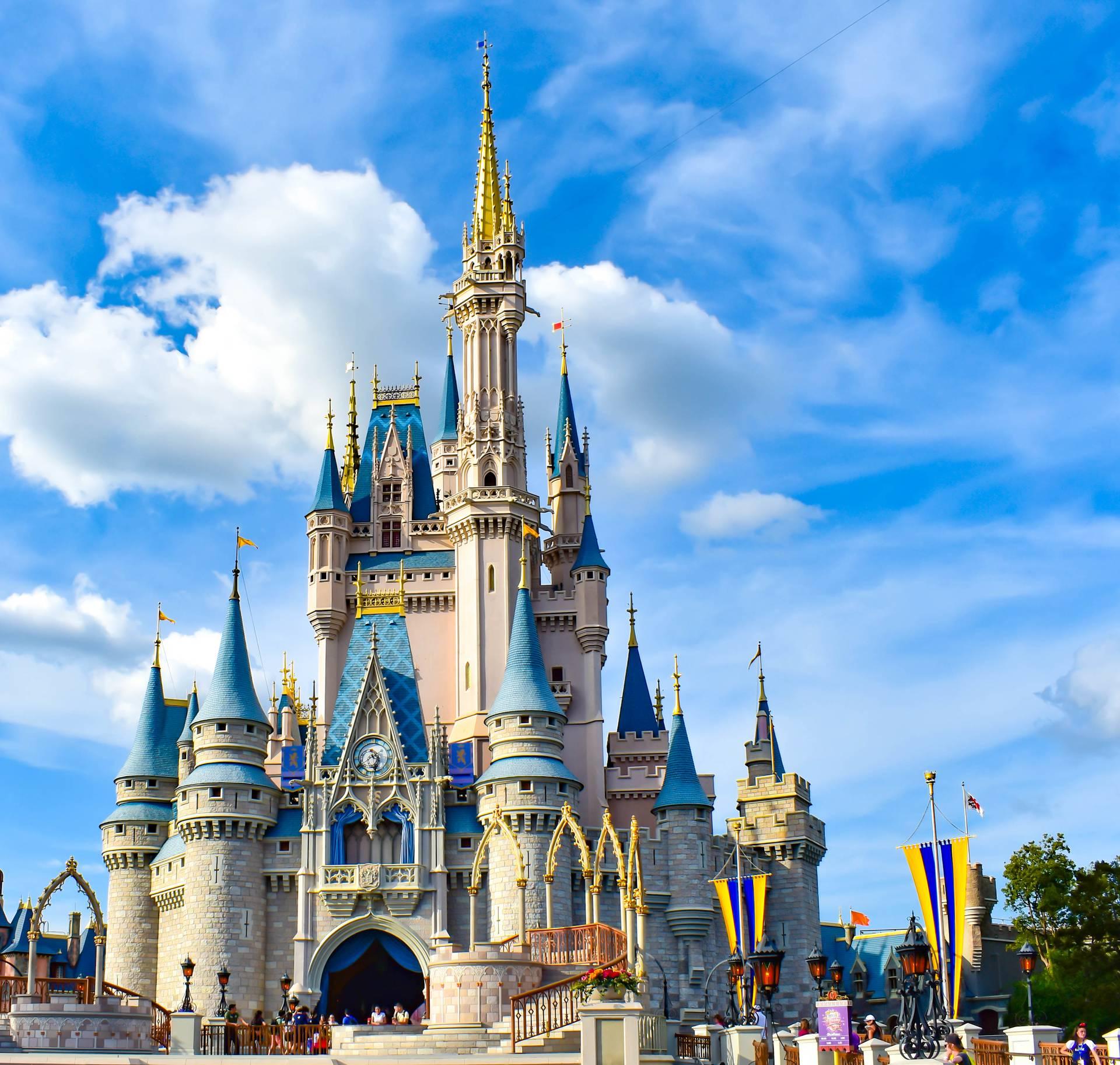 Disney obnavlja Pepeljugin dvorac: Izgledat će  drugačije