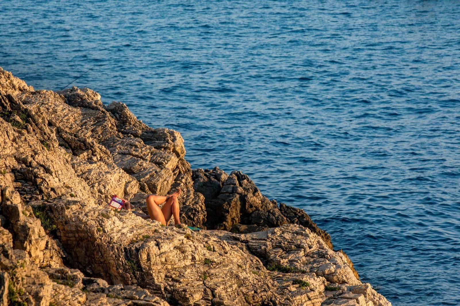 Pula: Svakodnevna atmosfera na gradskim plažama
