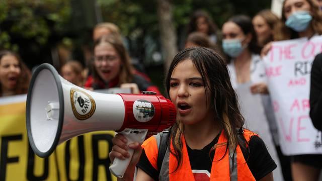 Želite da mladi više glasaju? Uvjerite ih svojim djelovanjem da vrijedi izaći na izbore