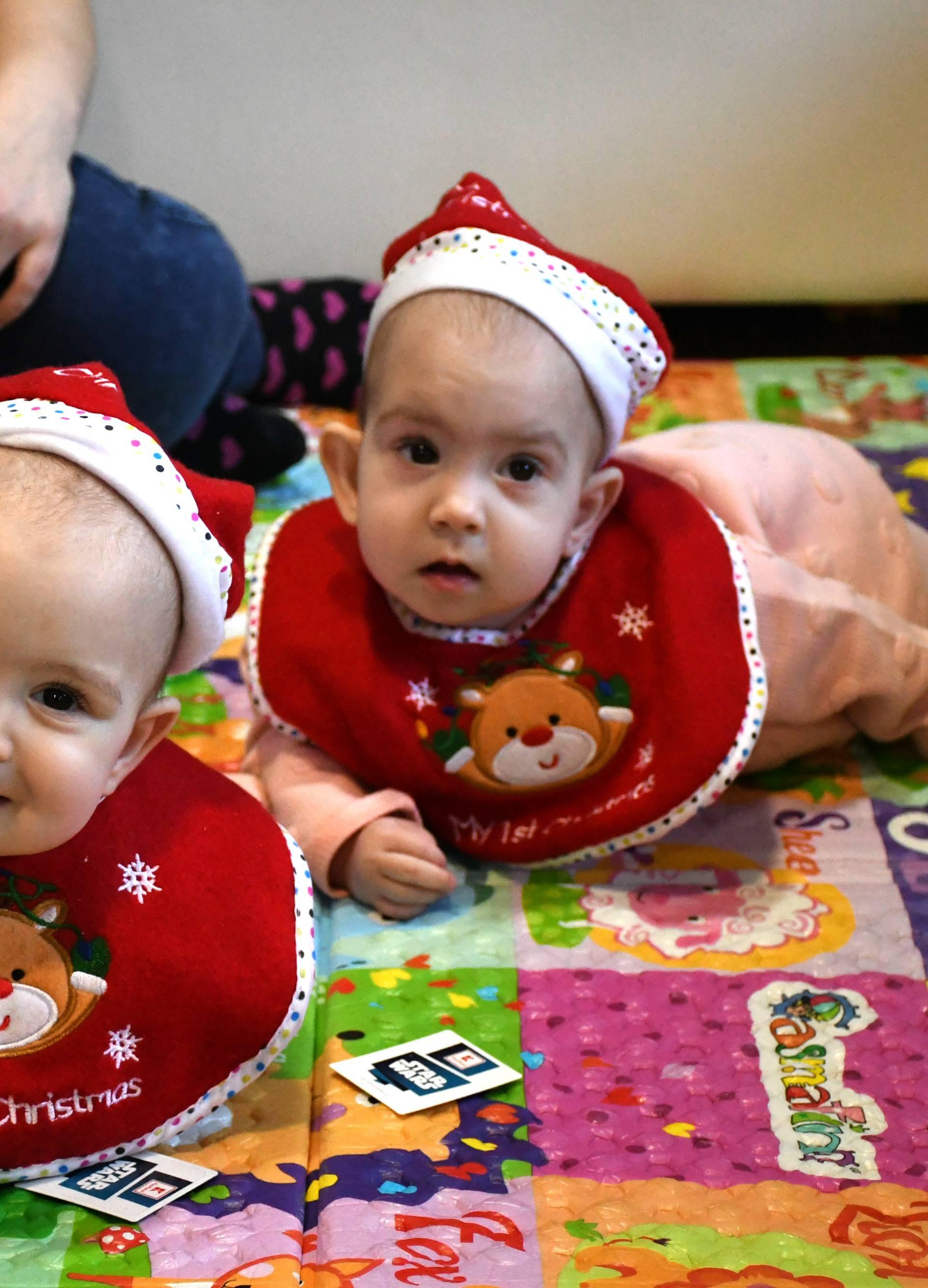 Prvi Božić sijamskih blizanki: 'Presretni smo, a one su super'