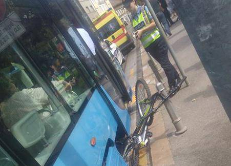 Dječak u Zagrebu podletio  pod tramvaj, držao se za trbuh...