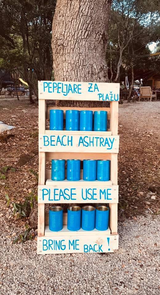 Sačuvajte svoju plažu i naše more, koristite ovu pepeljaru!