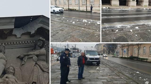Moglo je biti gadno: U Puli se odlomio dio fasade sa zgrade