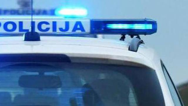 Isti vozač skrivio dvije nesreće u Požegi, ozlijeđene dvije žene