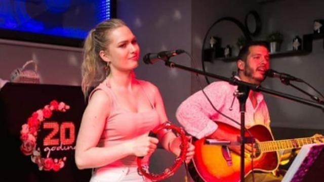Prije nekoliko dana Boris hvalio atraktivnu Mariju s kojom pjeva