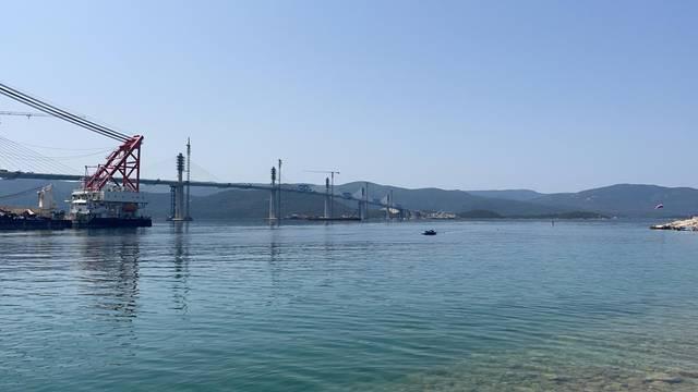 Uživo iz Komarne: Večeras se spaja i posljednji dio Pelješkog mosta, u promet ide tek 2022.