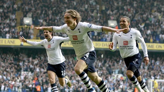 Soccer - Barclays Premier League - Tottenham Hotspur v Chelsea - White Hart Lane