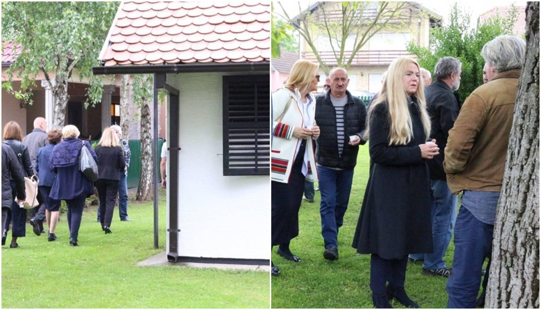 U rodnoj kući Ive Gregurevića okupili se brojni kolege i glumci