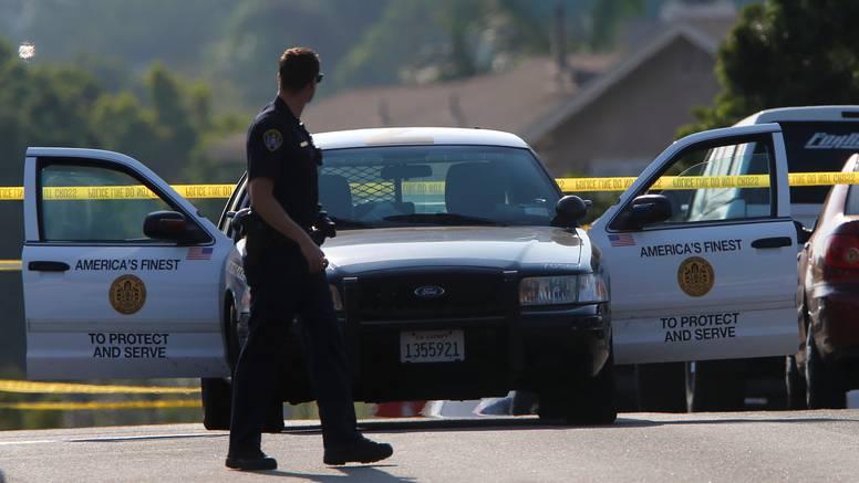 Mališan u Americi našao pištolj na noćnom ormariću, upucao oba roditelja jednim metkom