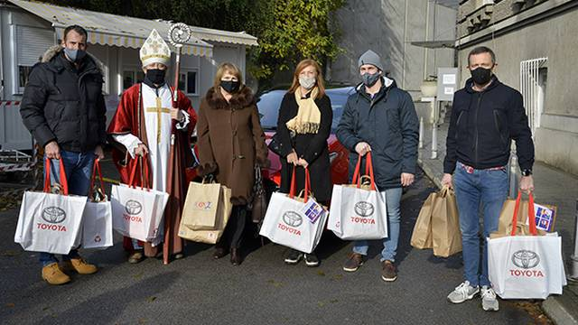 Pristigli darovi i dječji radovi dobrih želja u Klaićevu bolnicu