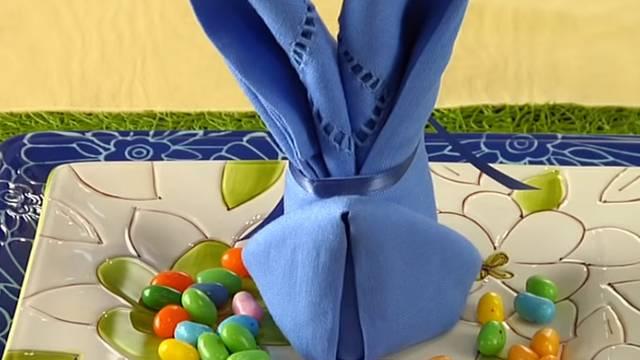 Evo kako možete sami napraviti zečića od salveta za uskrsni stol