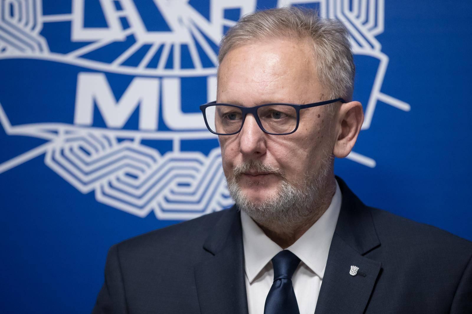 Zagreb: Izjava ministra Božinovića nakon sastanka s Gillesom de Kerchovom