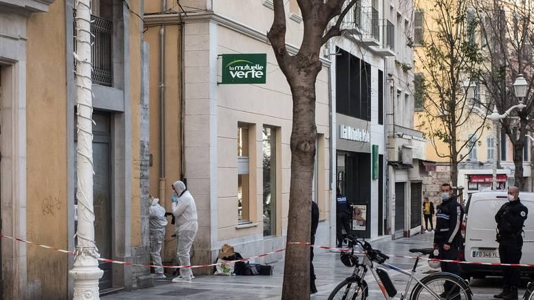 Strava u Francuskoj: Netko je glavu čovjeka bacio kroz prozor