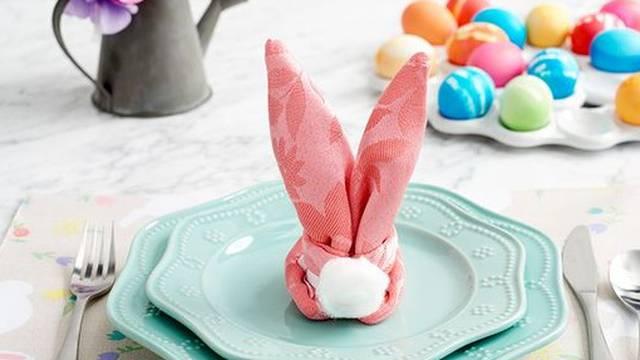 Napravite zečića od salveta i vaš uskrsni stol će zablistati