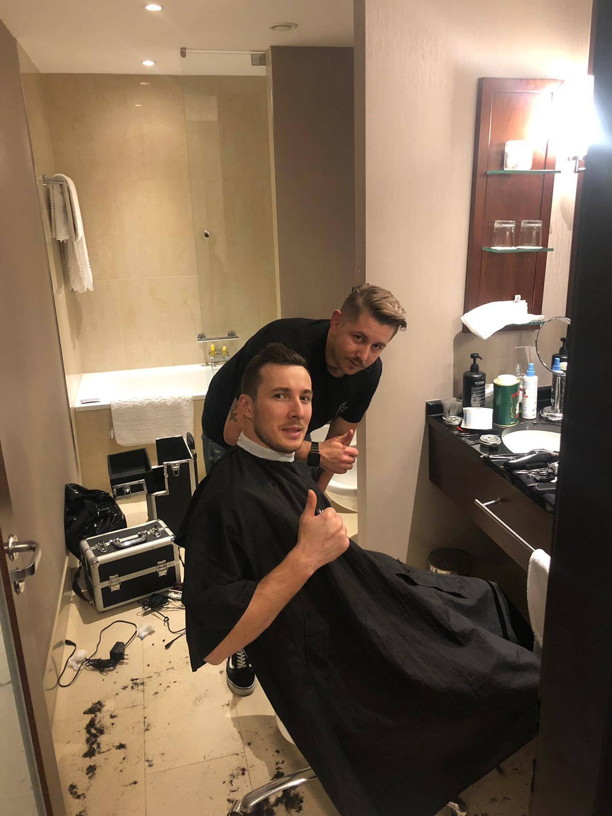 Vatreni brico ponovno je u akciji: Uredio frizure 'Kaubojima'