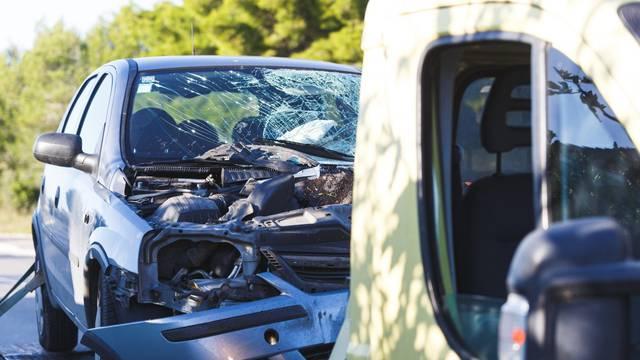 Muškarac poginuo kod Zadra: Skrenuo autom i udario u kombi