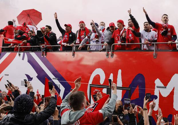 Ligue 1 - Lille receive Ligue 1 trophy