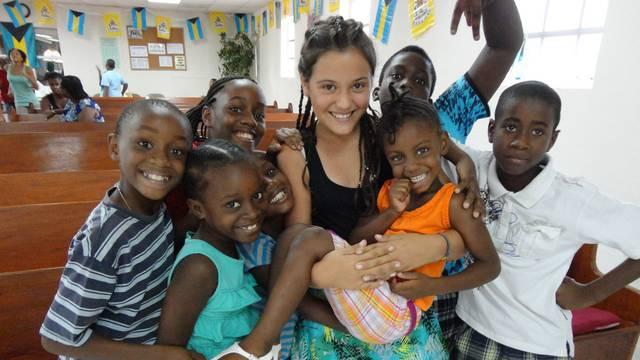 Antonia Dora iz 'Supertalenta' na Bahamima snima seriju...
