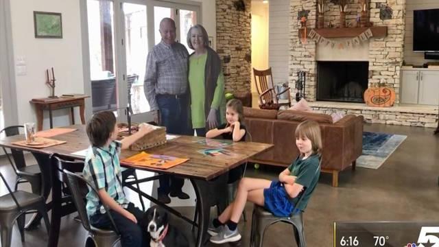 Djed i baka smislili način kako da posjete obitelj za blagdane