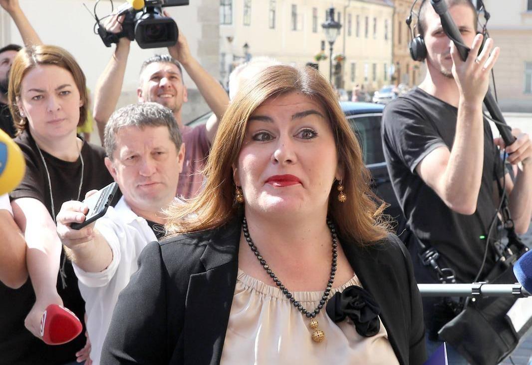 Ministri i državni tajnici dolaze u Banske dvore na sjednicu užeg kabineta Vlade