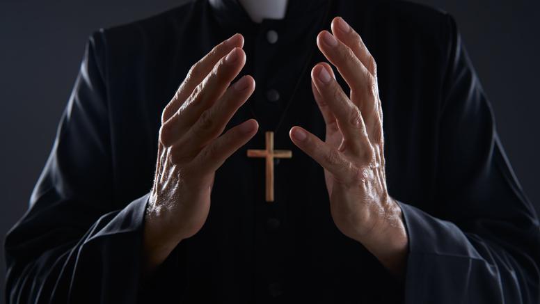 Hrvatica se zaljubila i uhodila talijanskog svećenika tri godine
