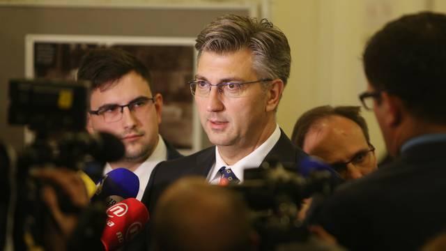 Karlovac: Izjave za medije nakon sjednice Vlade
